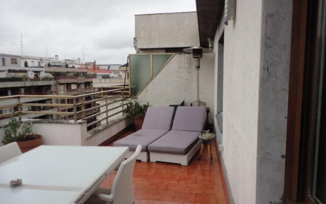 Atico con Terraza en el Centro de Las Arenas