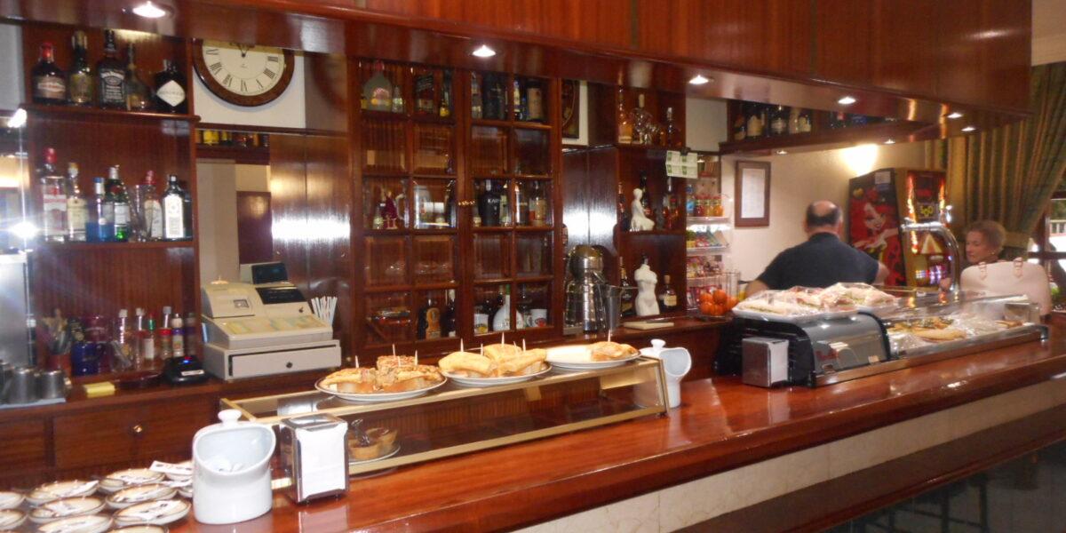 Bar Funcionando en Santa Ana