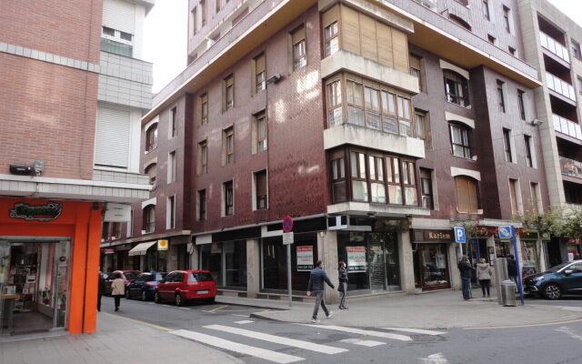 Piso en Alquiler Amueblado en el Centro de Las Arenas con Ascensor.